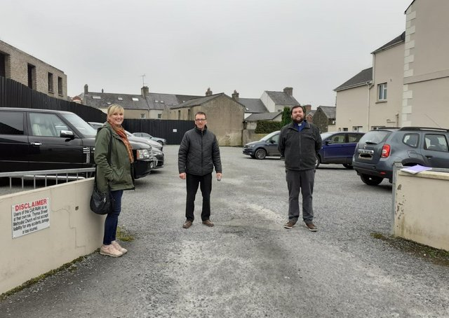 Market traders Jackie Hannon and Colin Weir with the Rev Darren Thompson of Thomas St Methodist Church. The traders will be operating temporarily from the church car park.