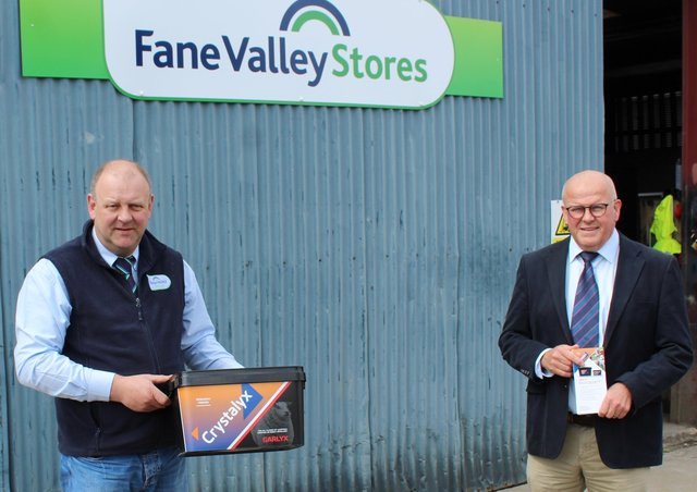 Discussing the benefits of Crystalyx Garlyx l to r: Matthew Cunning manager of the Fane Valley Ballymena/Seven Towers store in Co Antrim and David Morgan, Caltech Crystalyx