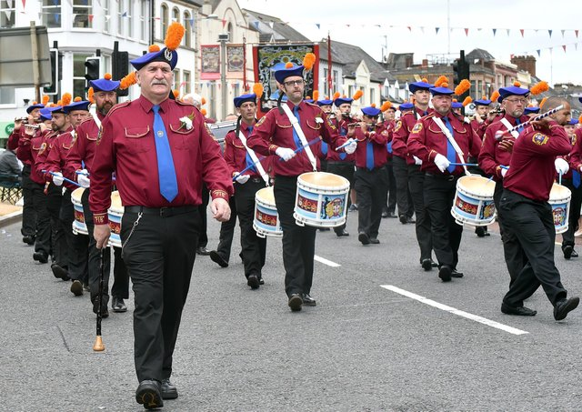 Derek Cloughley leads the way for the Portadown True Blues Flute Band Auld Boys. INPT29-285.