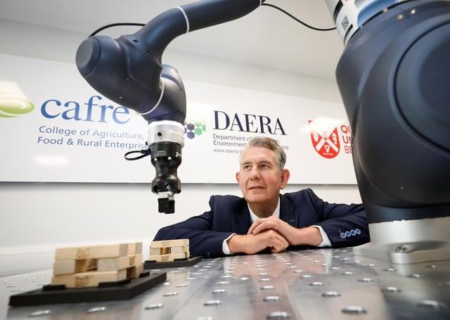 Press Eye - Belfast - Northern Ireland - 30th June 2021 - DAERA Minister Edwin Poots MLA launchesDAERA's Robotics and Automation Pilot Project - a collaboration between CAFRE and the Northern Ireland Technology Centre (NITC) of Queen's University Belfast (QUB).Photograph by Kelvin Boyes /  Press Eye.